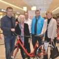 Spendenaktion Dein Rotes Fahrrad – erste Räder übergeben